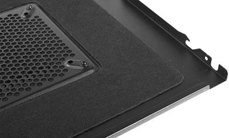 звукопоглощающий материал на крышке компьютерного корпуса